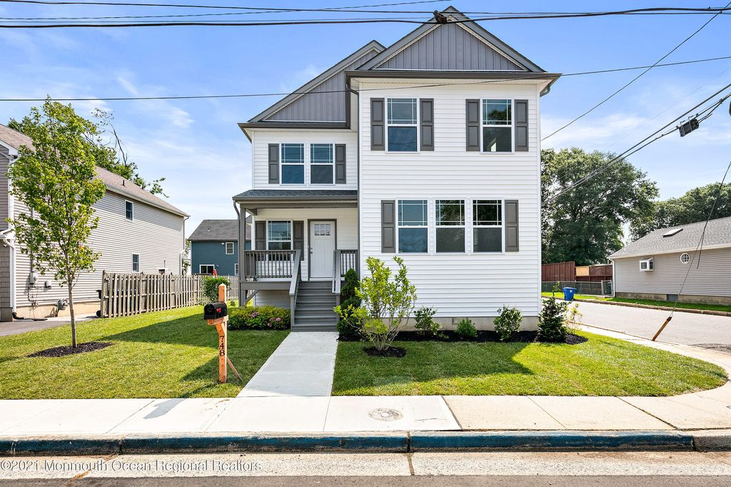 748 Monmouth Pkwy, Middletown, NJ 07748