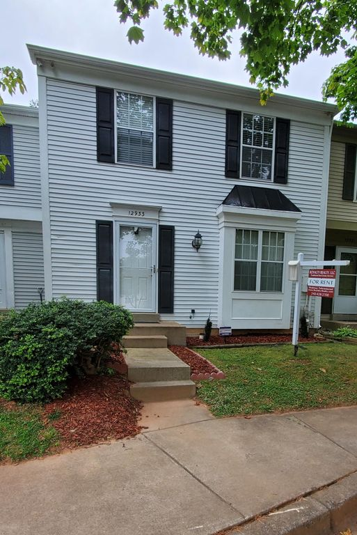 12933 Pickering Dr, Germantown, MD 20874