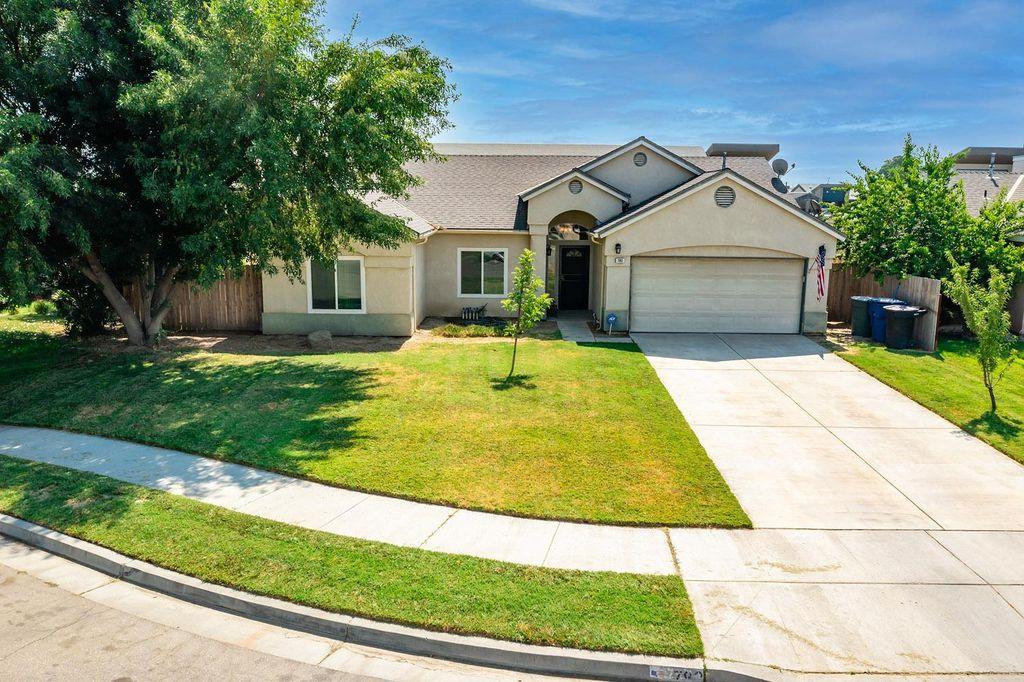 792 Holly Ave, Lemoore, CA 93245