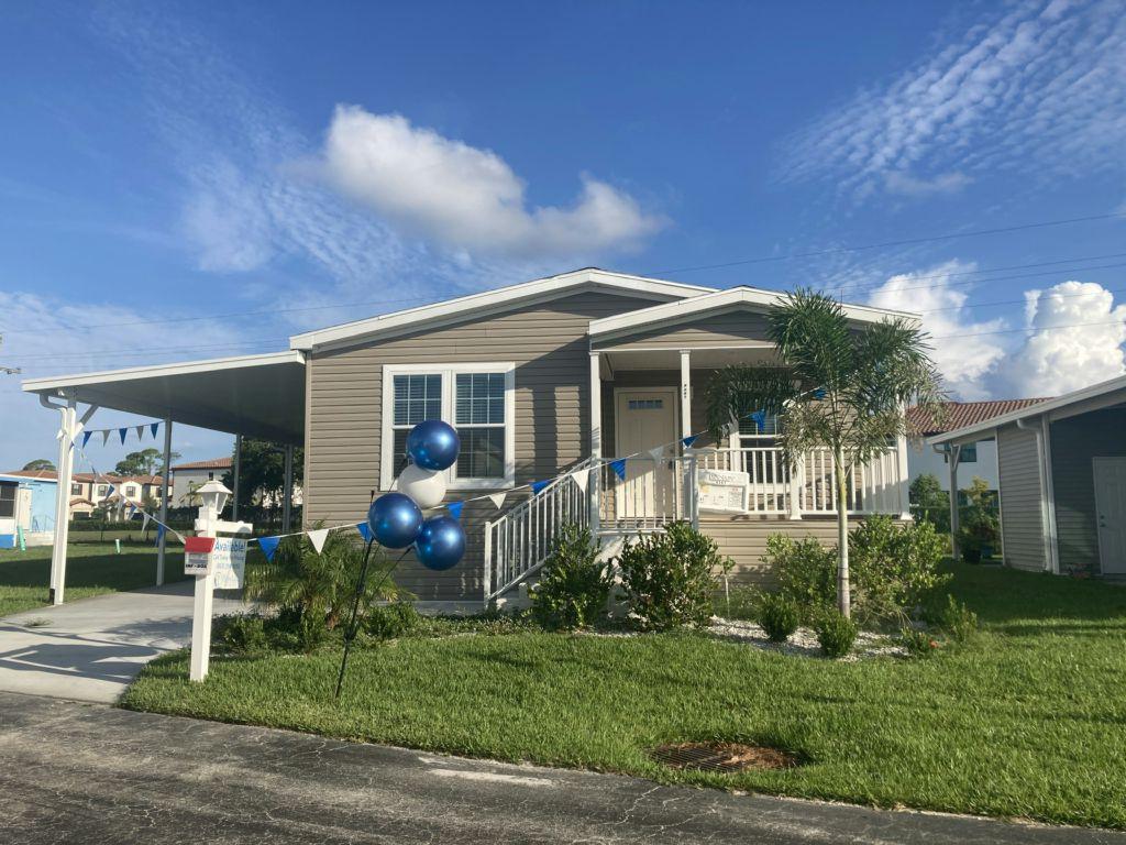 Silver Springs Plan in Palm Lake Estates, West Palm Beach, FL 33404