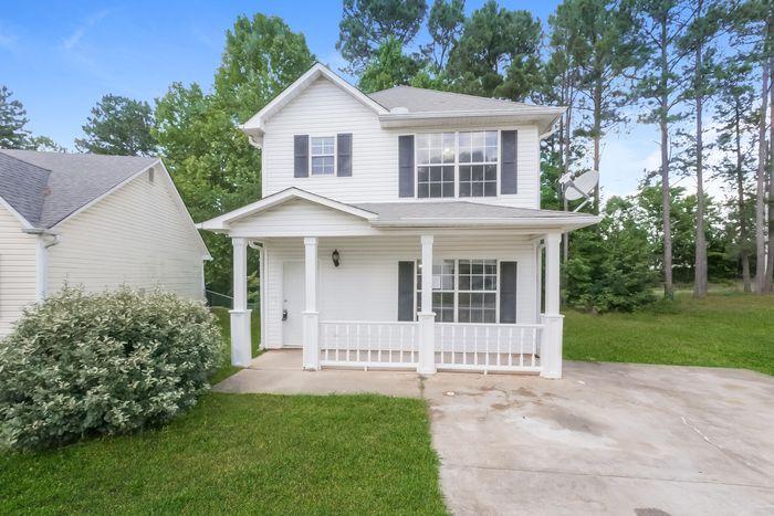 1370 N Hampton Dr, Hampton, GA 30228