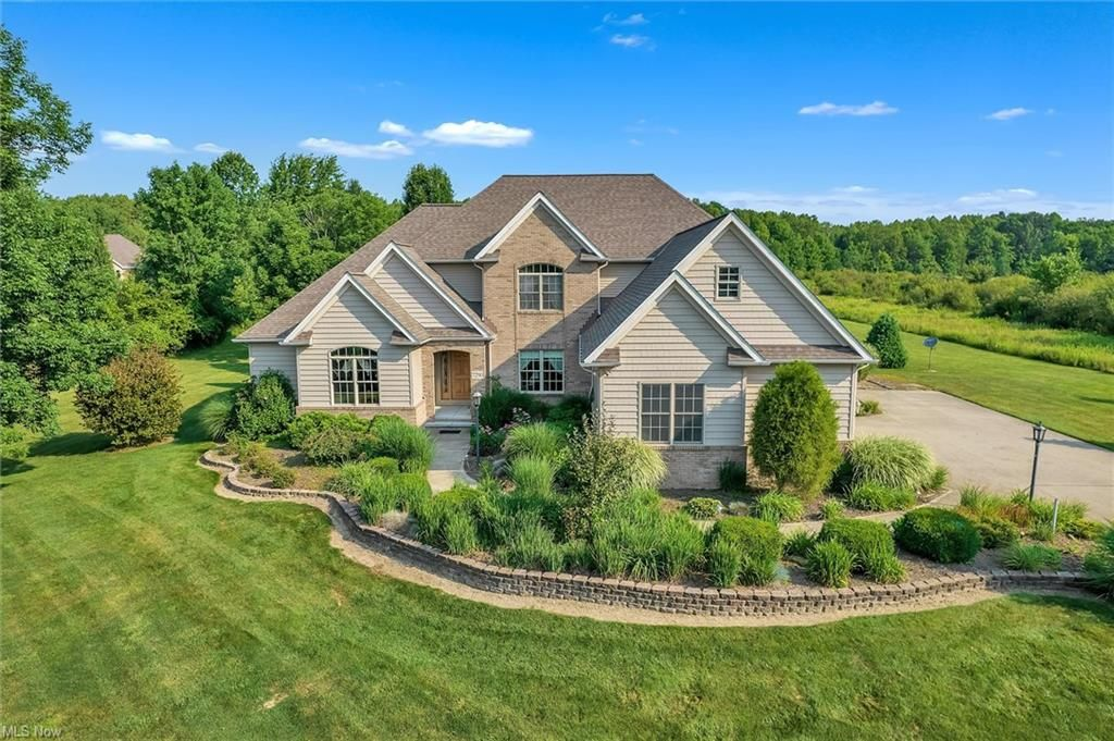 7290 Alexander Rd, Painesville, OH 44077