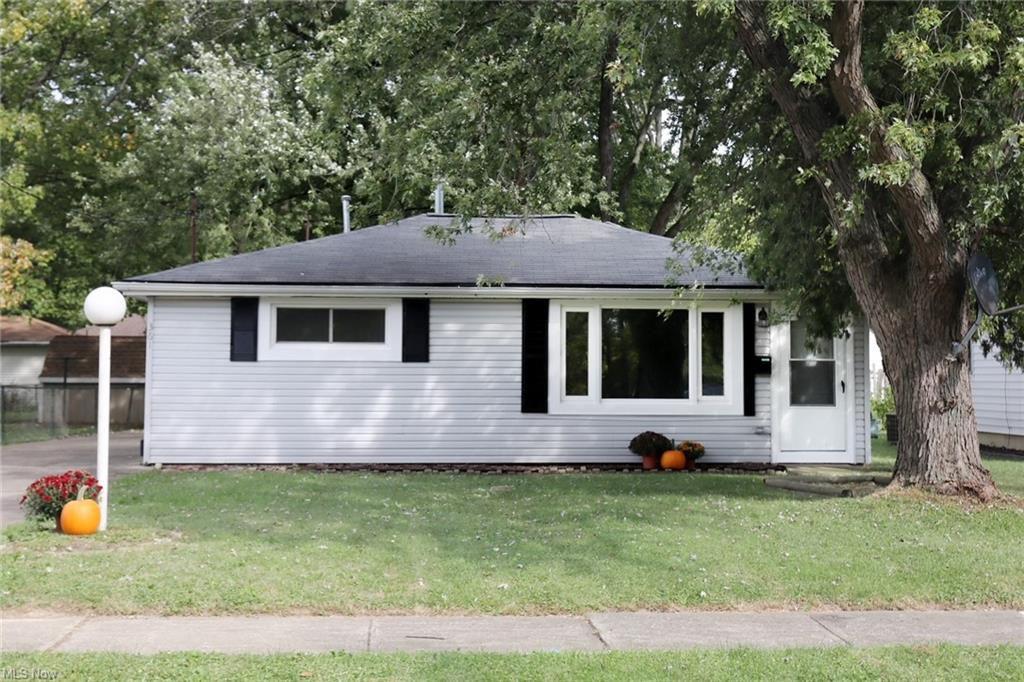 361 Wesley Ave, Elyria, OH 44035