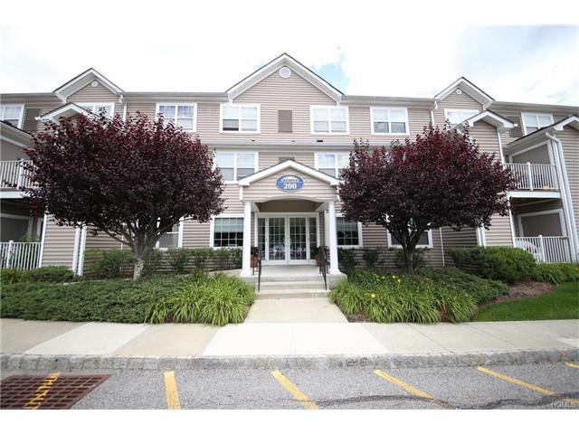 200 Woodcrest Ln #228, Mount Kisco, NY 10549