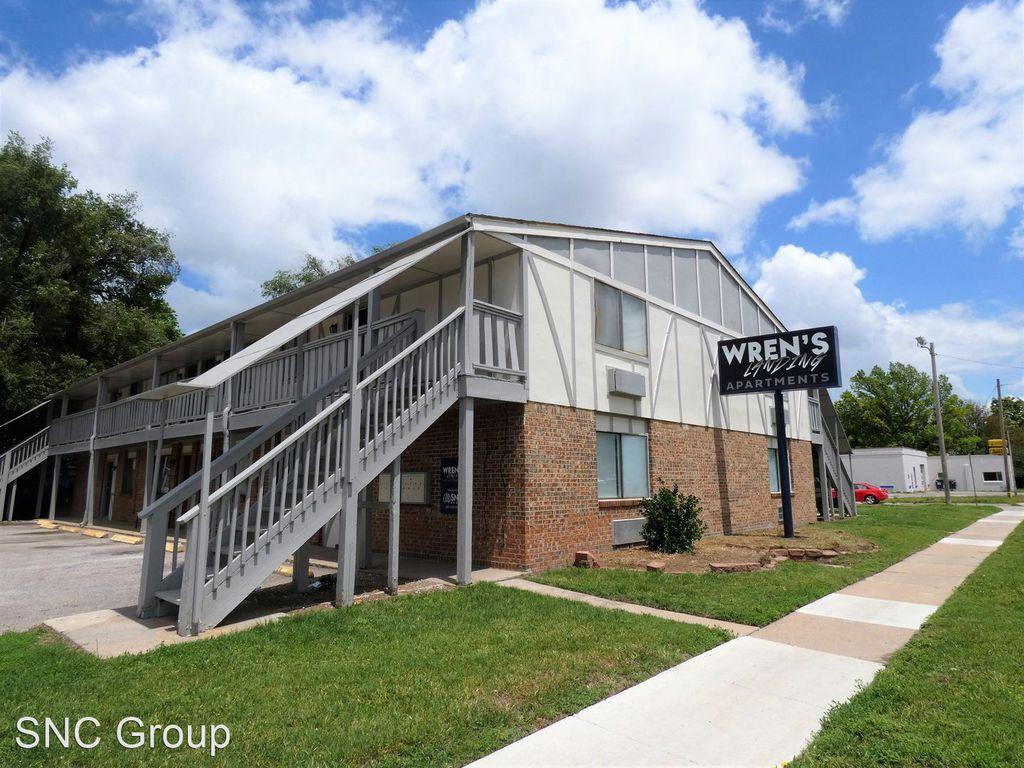 2004 W McCormick Ave, Wichita, KS 67213