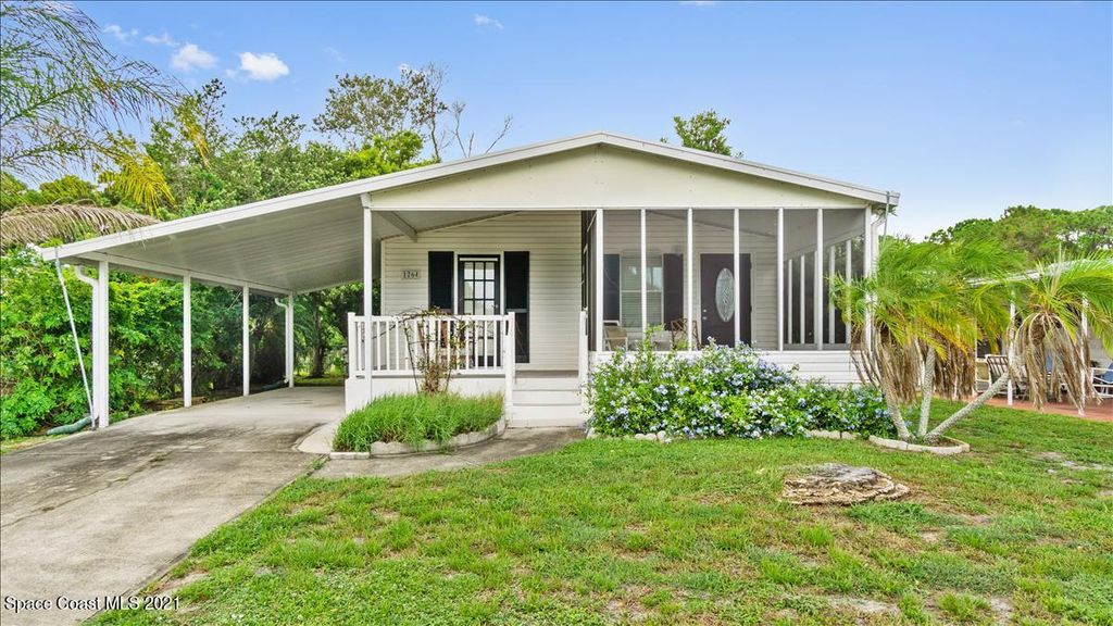1764 Mango St NE, Palm Bay, FL 32905