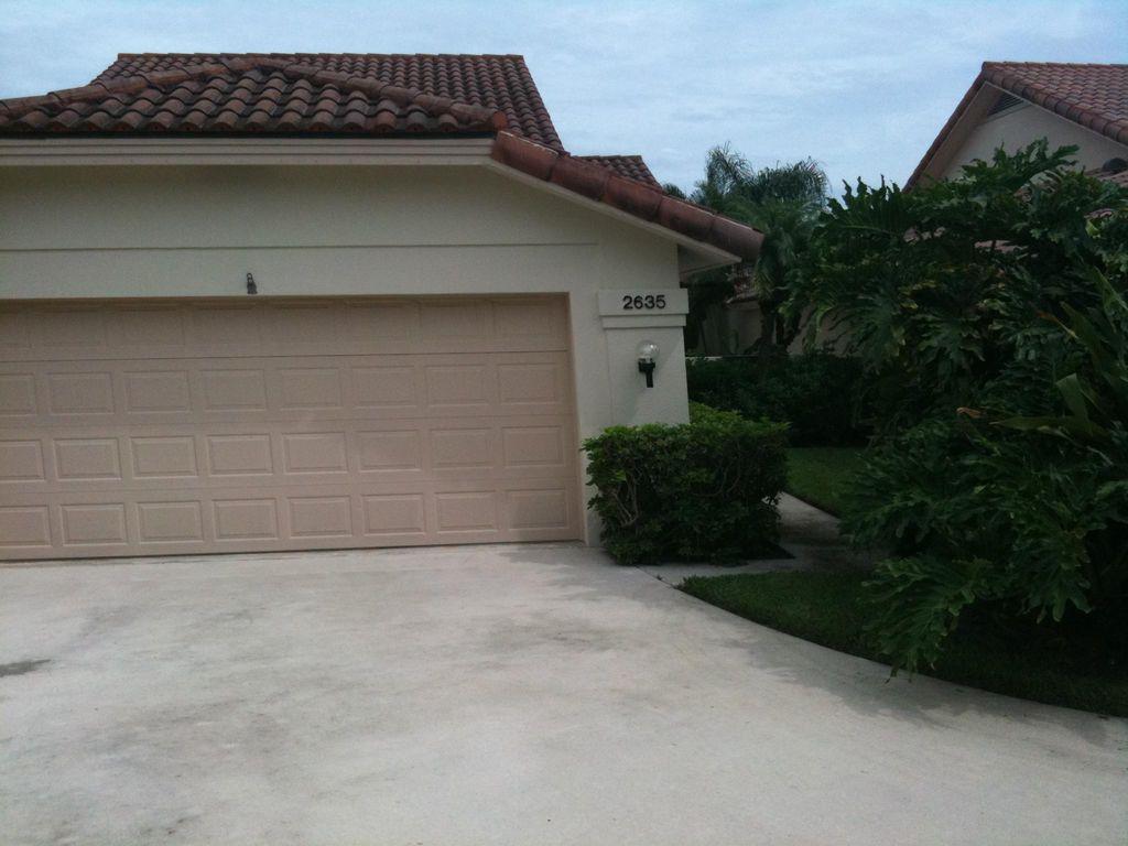 2635 Iroquois Cir, West Palm Beach, FL 33409