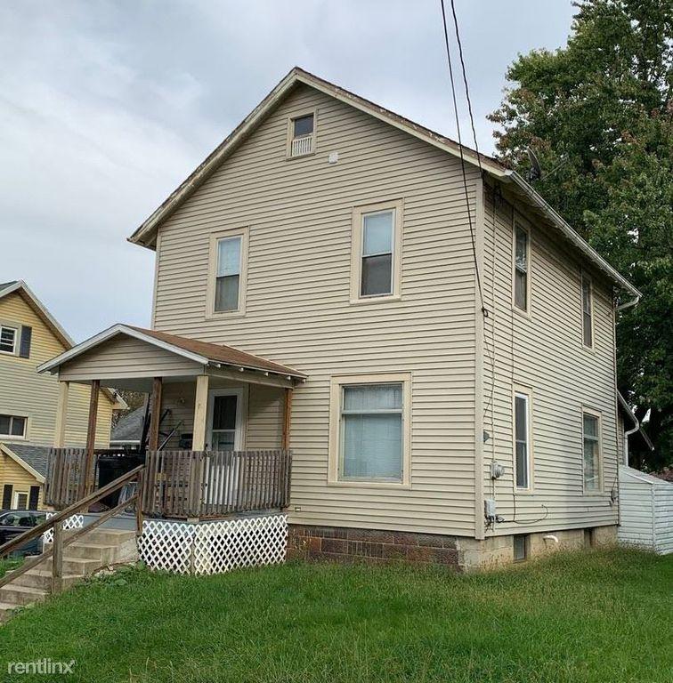 311 Sharp St, Ashland, OH 44805