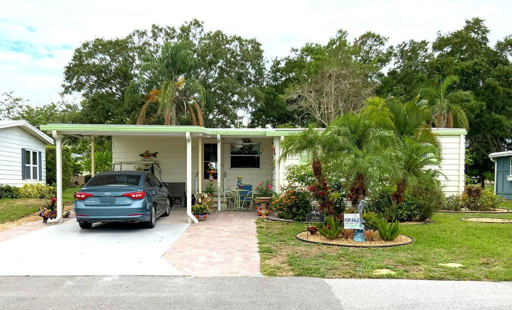 5950 Brigadoon Way, Sarasota, FL 34233