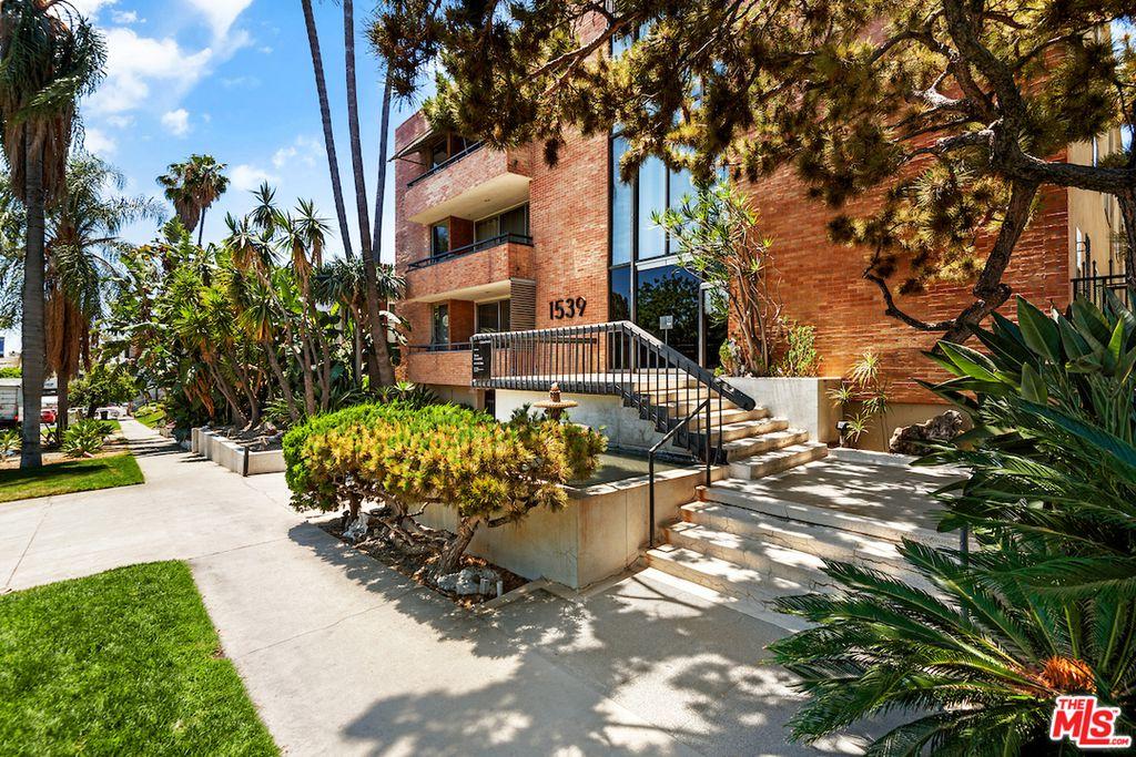 1539 N Laurel Ave, Los Angeles, CA 90046