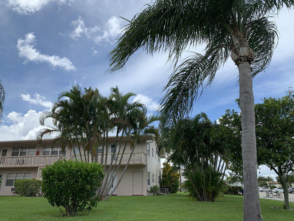 144 Waltham E #F55-55, West Palm Beach, FL 33417