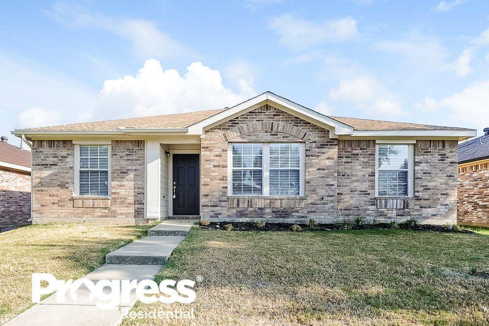 2425 Meadowgate Ln, Lancaster, TX 75134