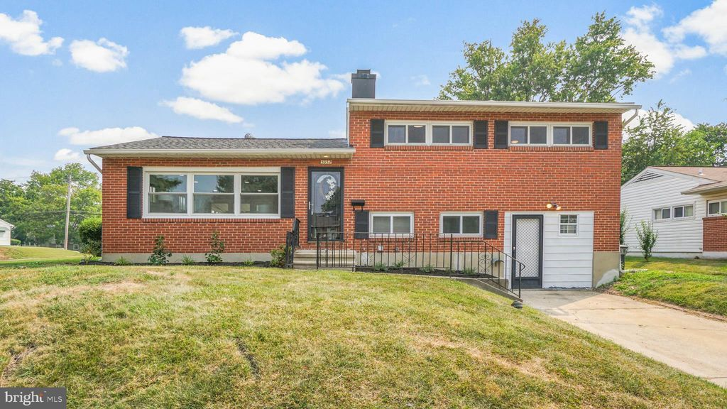 5932 Charnwood Rd, Catonsville, MD 21228