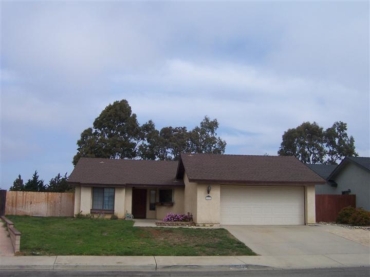 1537 Andrews Ave, Lompoc, CA 93436