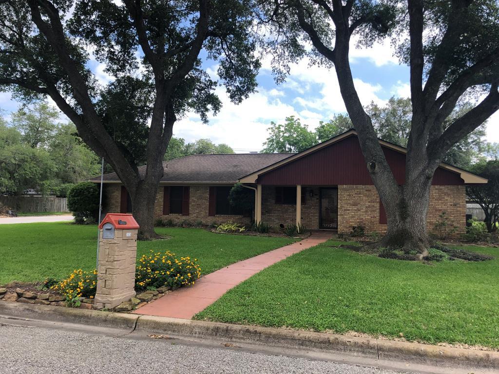 3928 Heatherglen St, Bay City, TX 77414