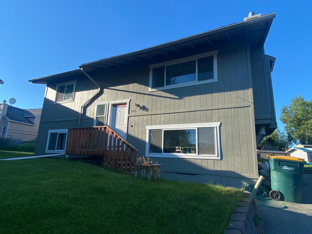 9001 Shaun Landing Cir #B, Anchorage, AK 99502