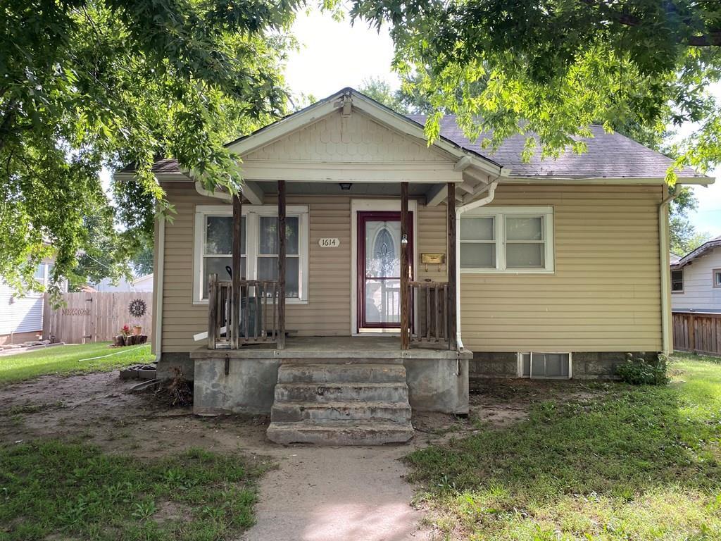 1614 Madison St, Great Bend, KS 67530