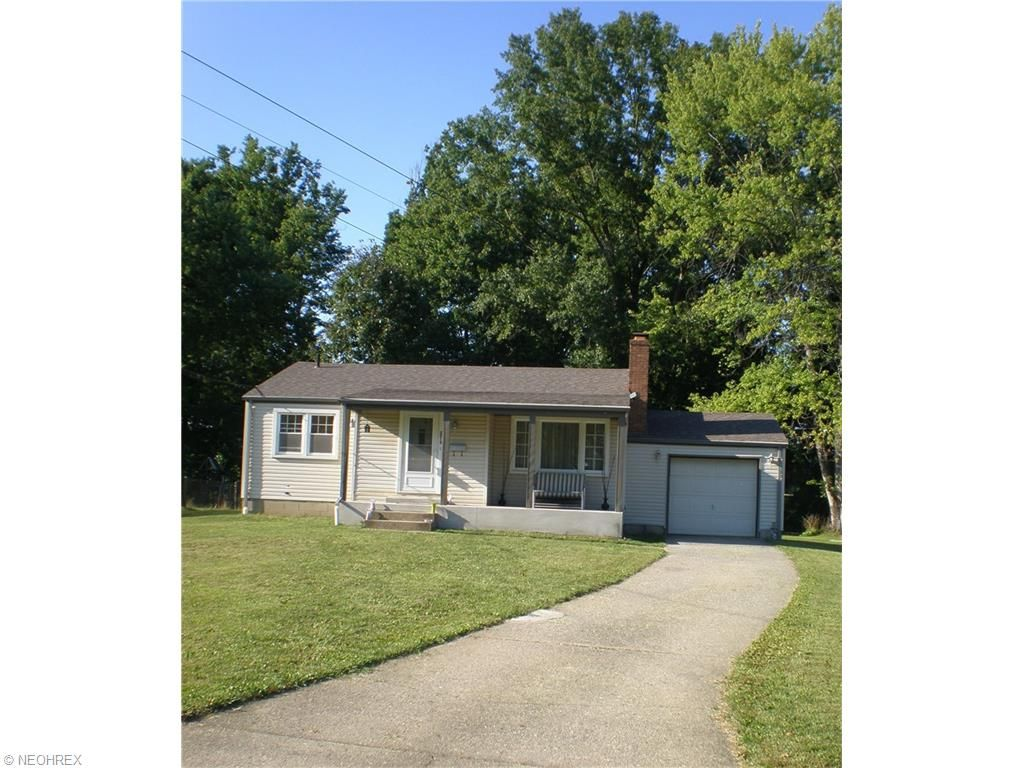 2512 Nadyne Dr, Youngstown, OH 44511