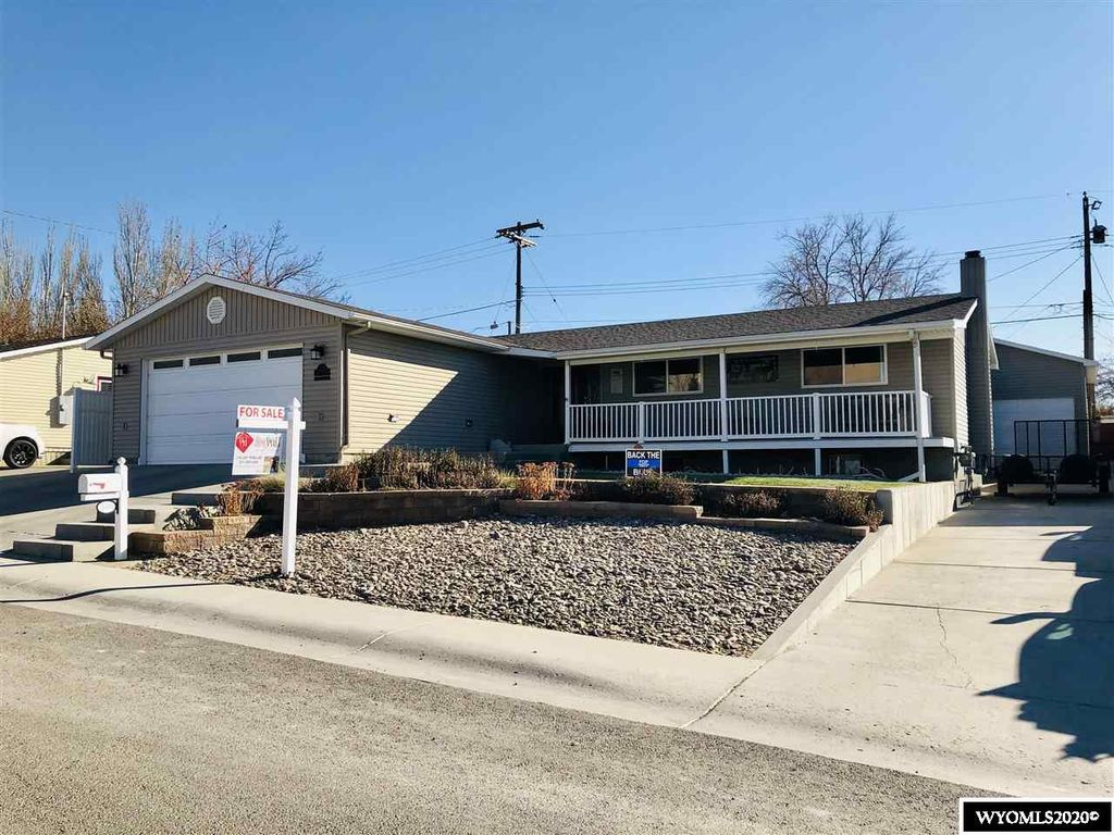 1370 James Dr, Rock Springs, WY 82901