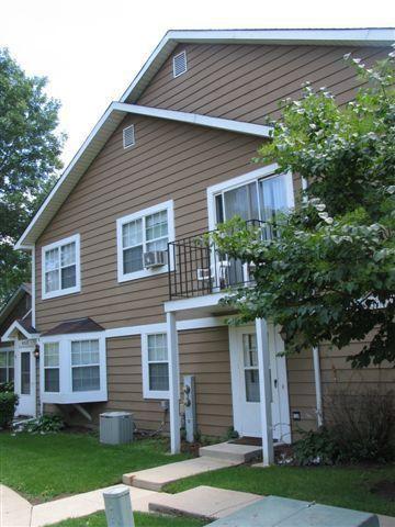 454 N Lake Shore Dr, Palatine, IL 60067