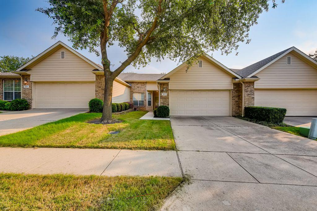217 Bexar Dr, Lewisville, TX 75067