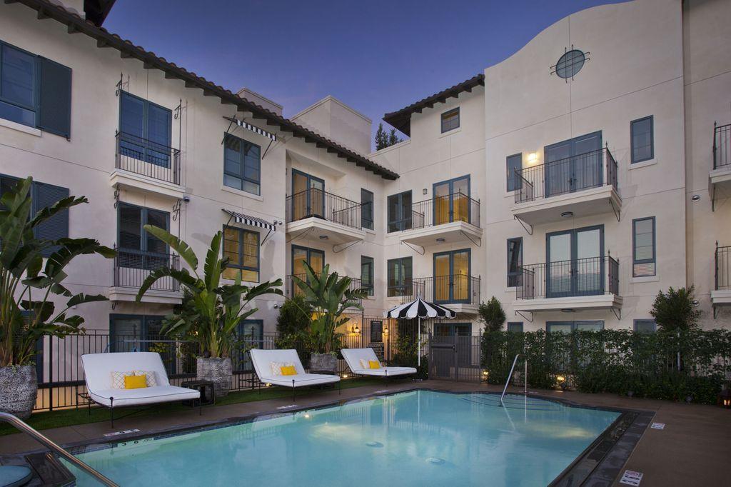 738 Wilcox Ave, Los Angeles, CA 90038