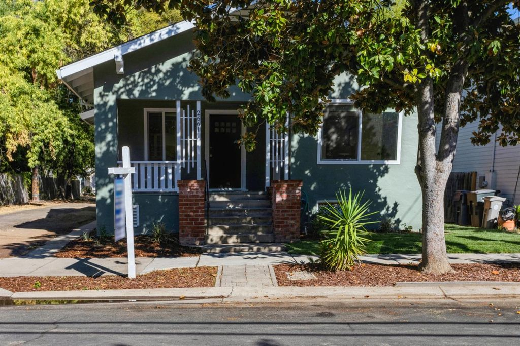 2661 28th St, Sacramento, CA 95818