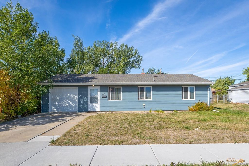 2701 Willow Ave, Rapid City, SD 57701