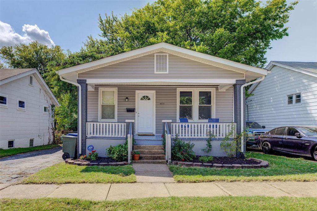 4710 Tesson St, Saint Louis, MO 63116