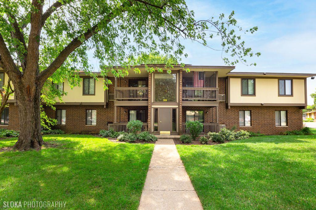 566 Somerset Ln #7, Crystal Lake, IL 60014
