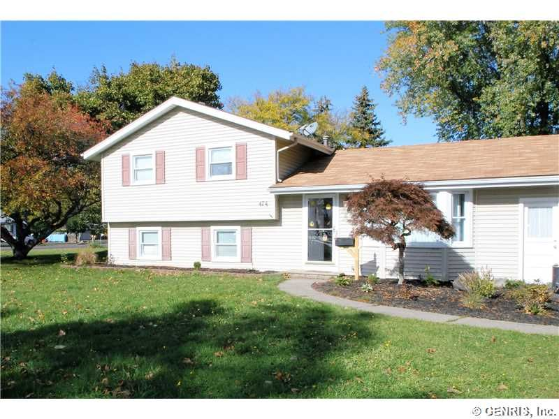 474 Wildwood Dr, Rochester, NY 14616