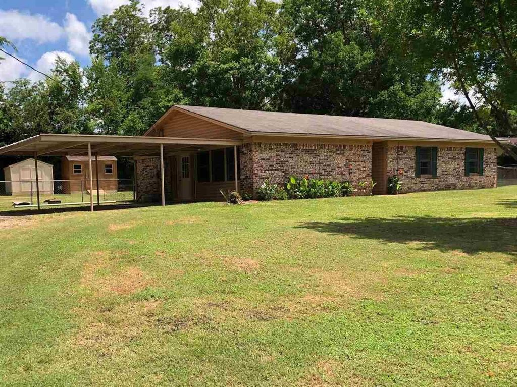 120 Samuel St, Jefferson, TX 75657
