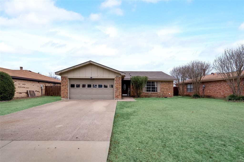 521 Royal Valley Rd, Grand Prairie, TX 75052
