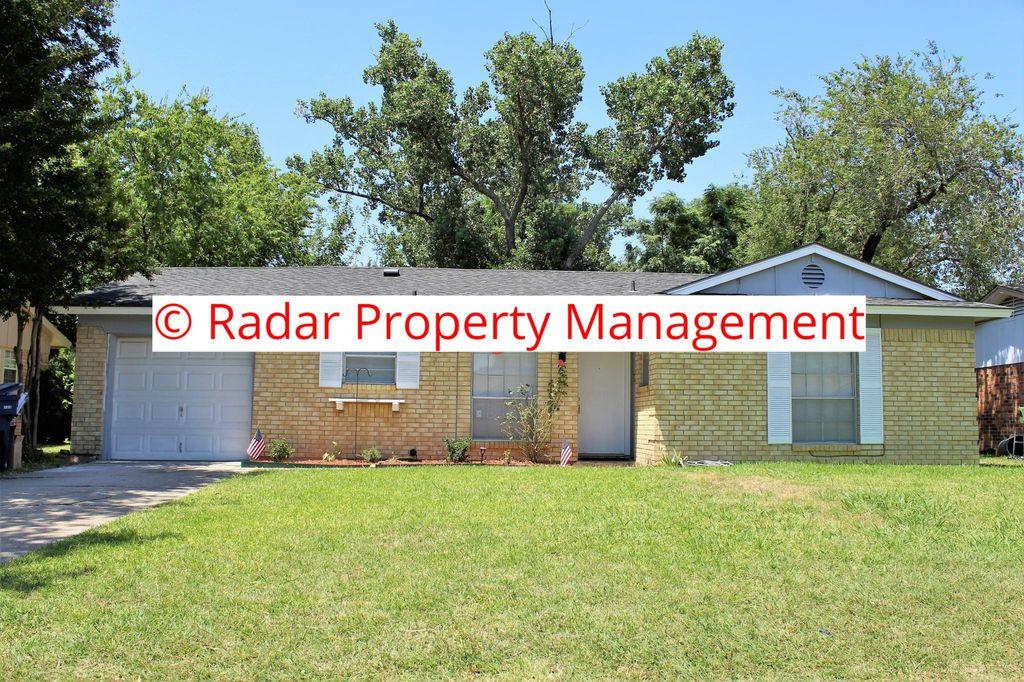 605 Shorecrest Dr, Garland, TX 75040
