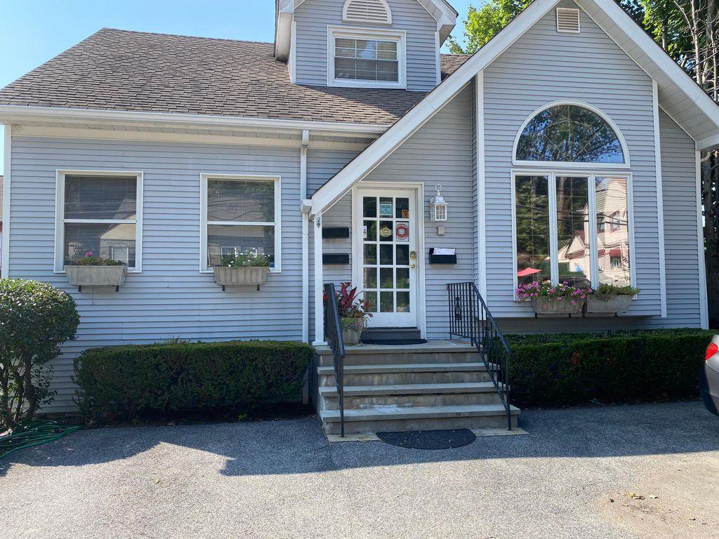 879 Commerce St #2, Thornwood, NY 10594