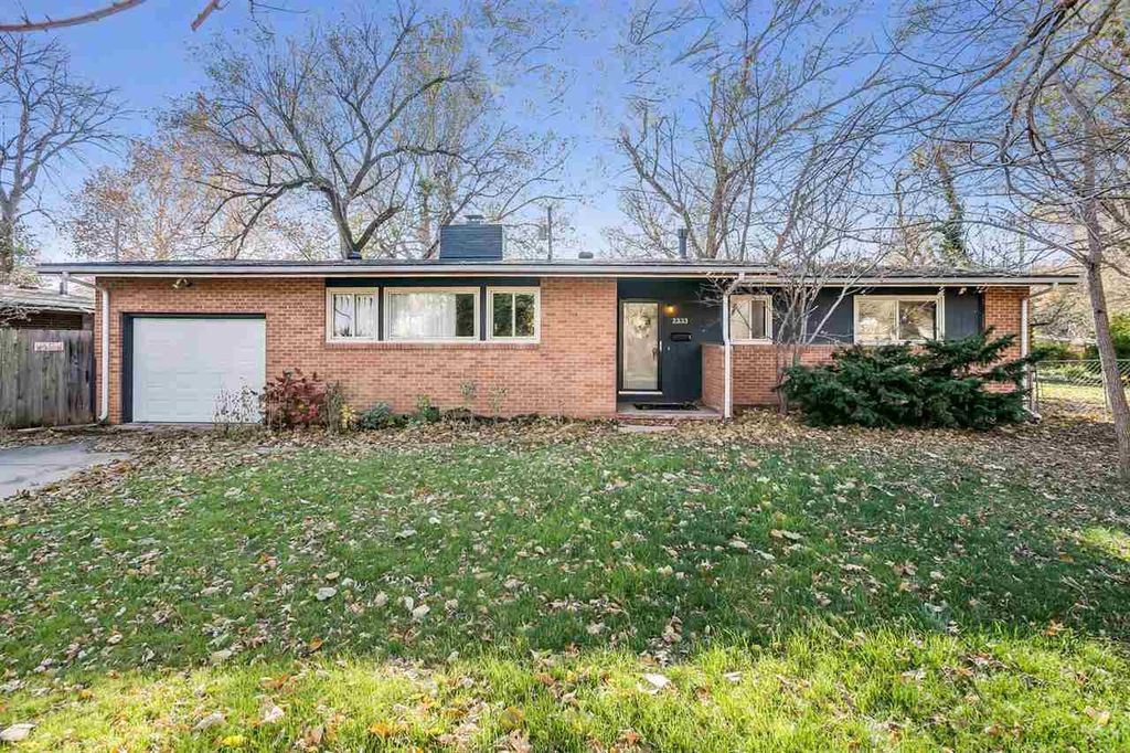 2333 S George Washington Blvd, Wichita, KS 67218