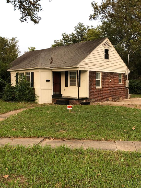 1801 N McAuley Dr, West Memphis, AR 72301