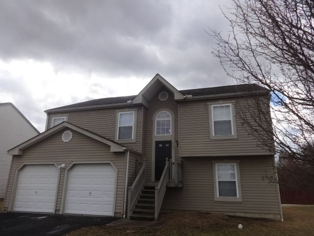 6891 Winchester Lakes Blvd, Canal Winchester, OH 43110
