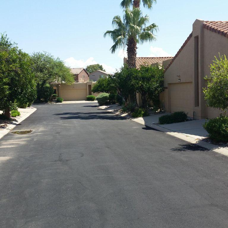 649 W Sunlight Ln, Tucson, AZ 85704