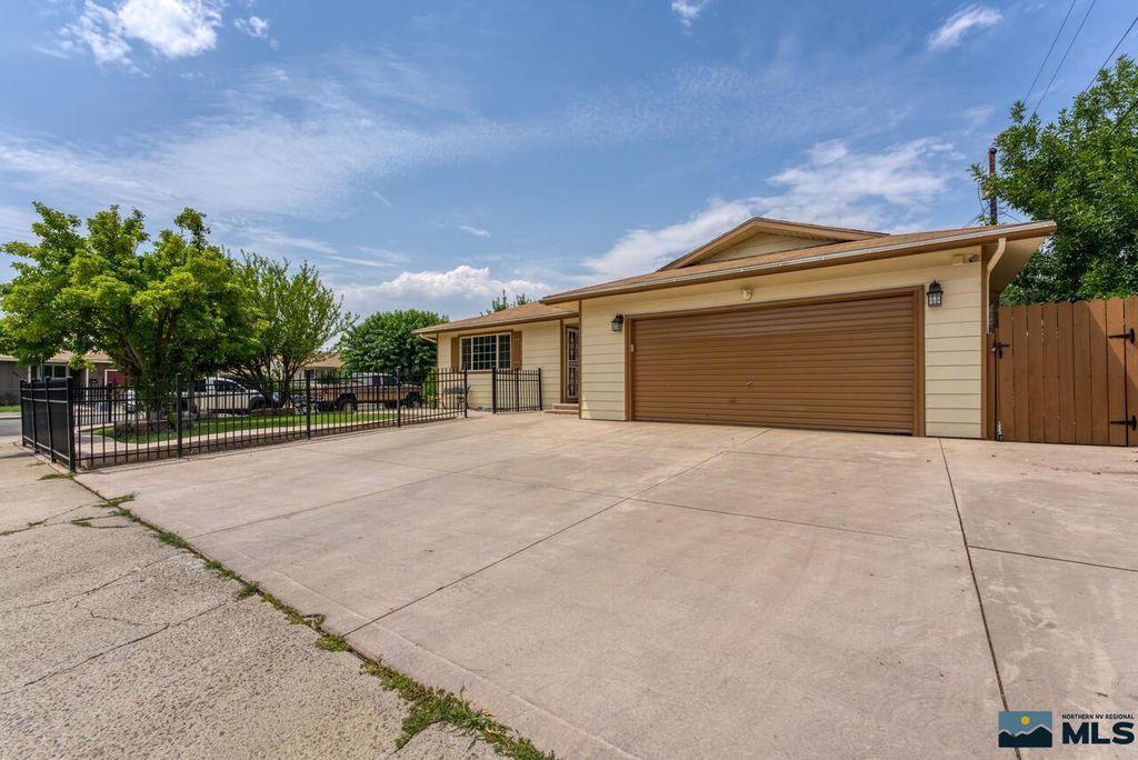 2165 Belcrest Cir, Reno, NV 89512