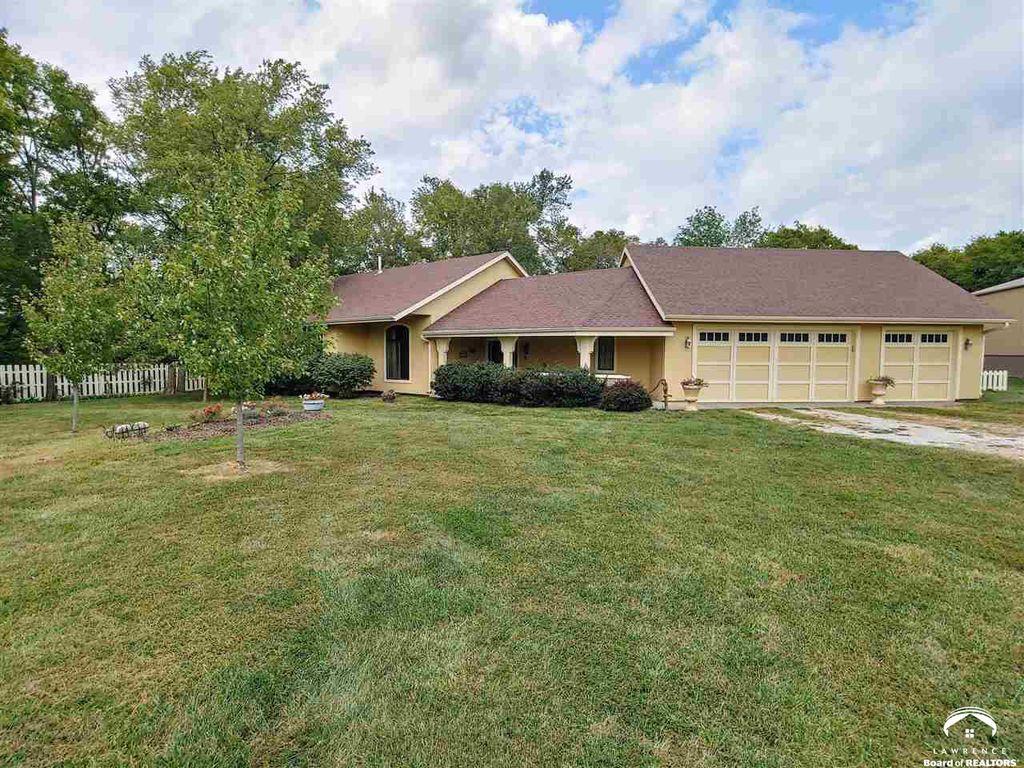 1400 N 680th Rd, Lawrence, KS 66046
