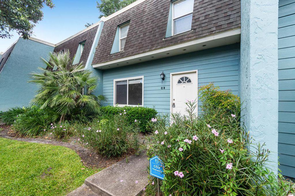 501 SW 75th St #C3, Gainesville, FL 32607