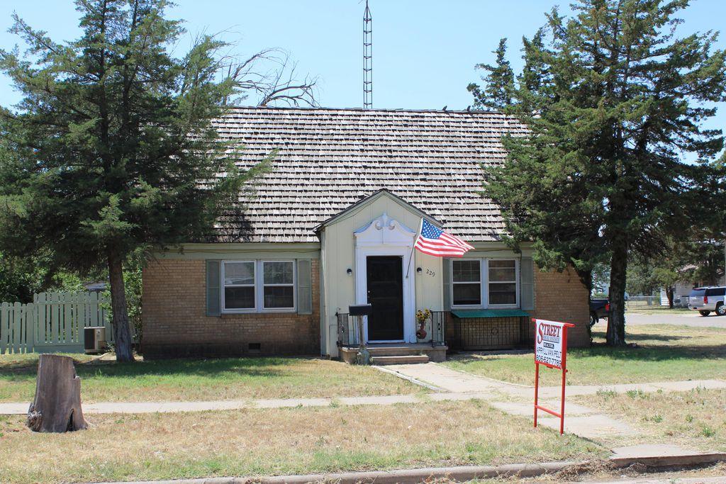 229 N Briscoe Ave, Tulia, TX 79088