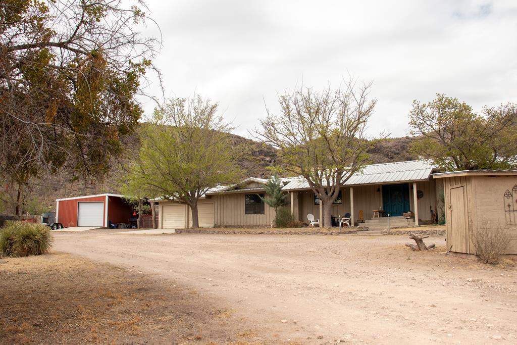 216 N Painted Trees Rd, Fort Davis, TX 79734