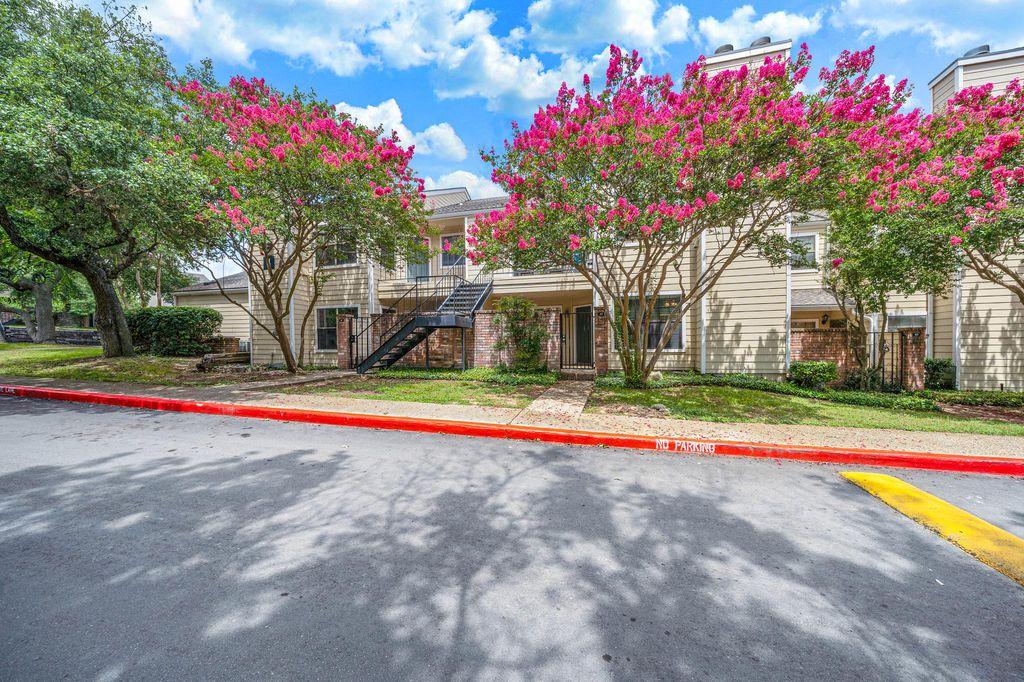 11610 Vance Jackson Rd, San Antonio, TX 78230