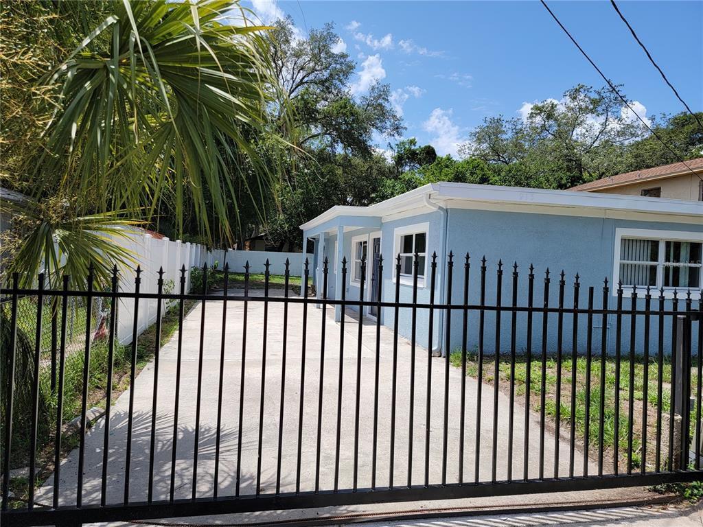 915 E Humphrey St, Tampa, FL 33604
