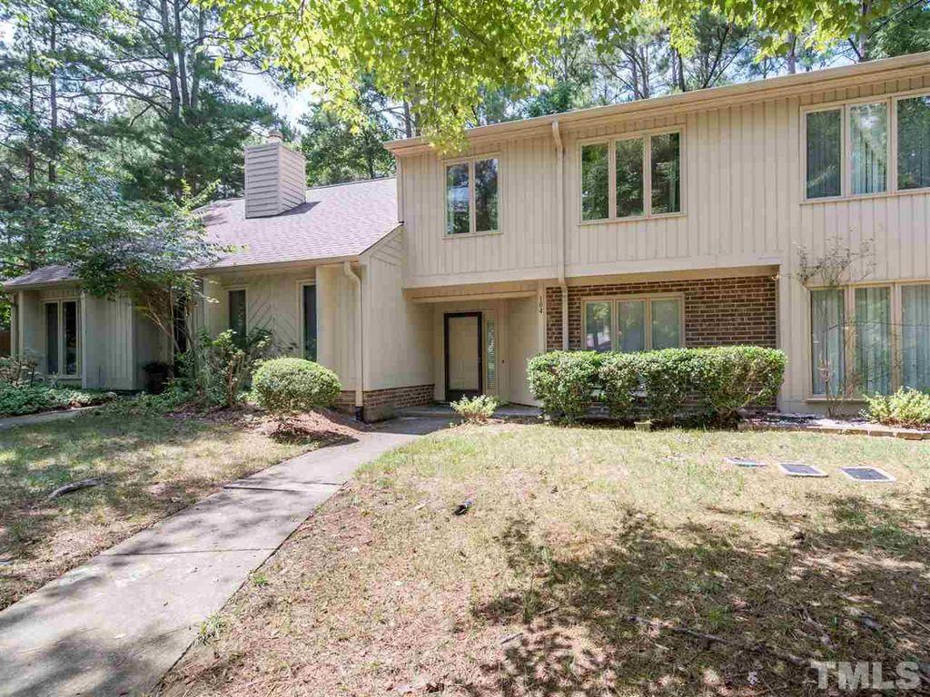 104 Mossbark Ln, Chapel Hill, NC 27514