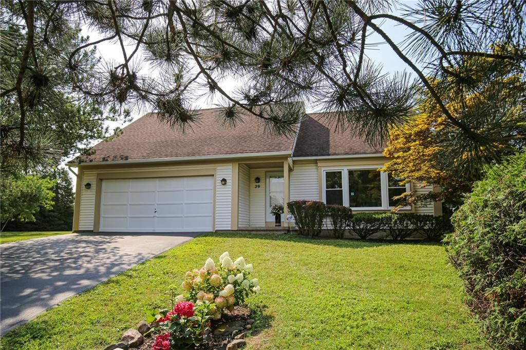 29 French Meadow Ln, Rochester, NY 14618