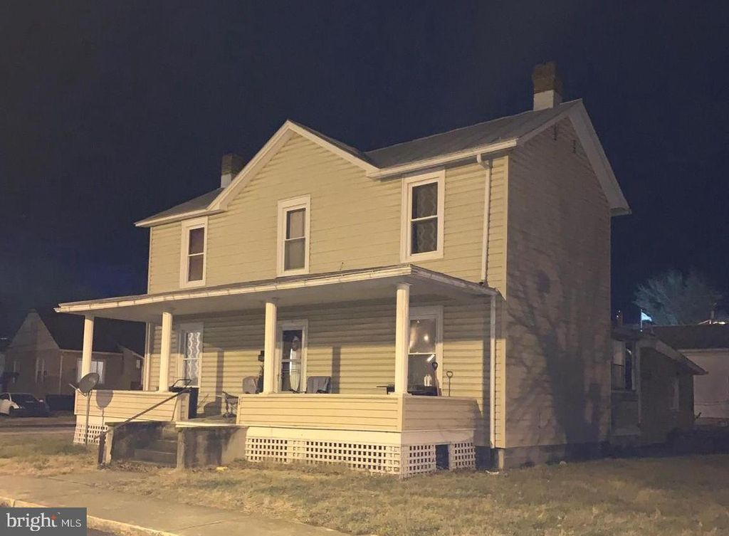 1 Central Ave, Petersburg, WV 26847
