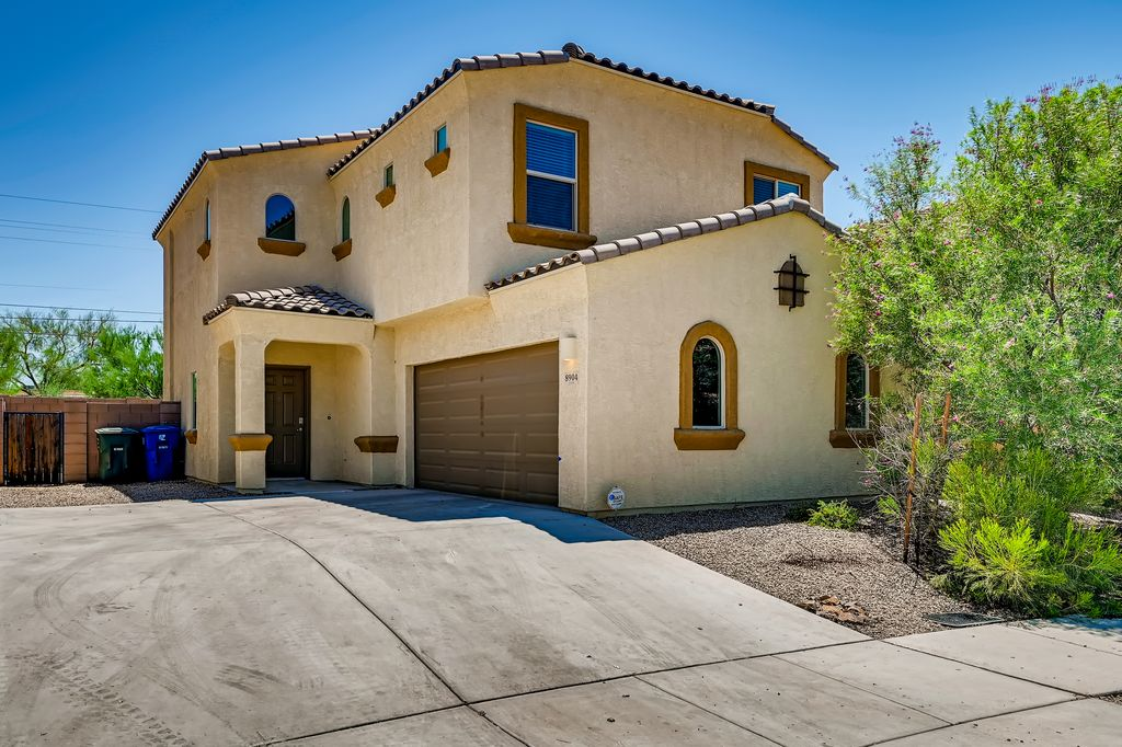 8904 E Abrams Loop, Tucson, AZ 85710